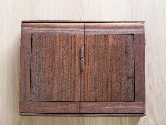 bloodroot box(1) walnut  (1 of 6).jpg