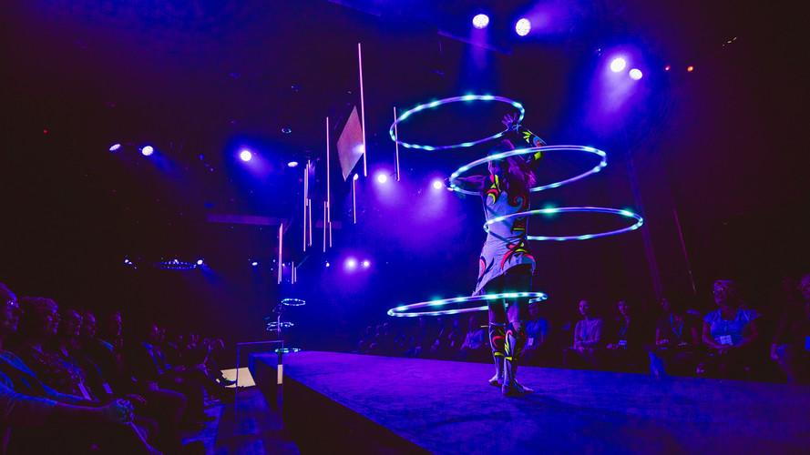 Pixel vanne, led vanne ja tulivanne numeroita. Kaikki showt kustomoitavissa yrityksen tai tapahtuman logoilla ja sloganeilla.  katra@luminaproductions.fi  Photo: Bight group