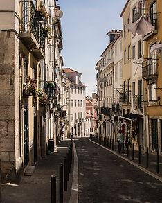Alfama-street-photography-helena-amante.