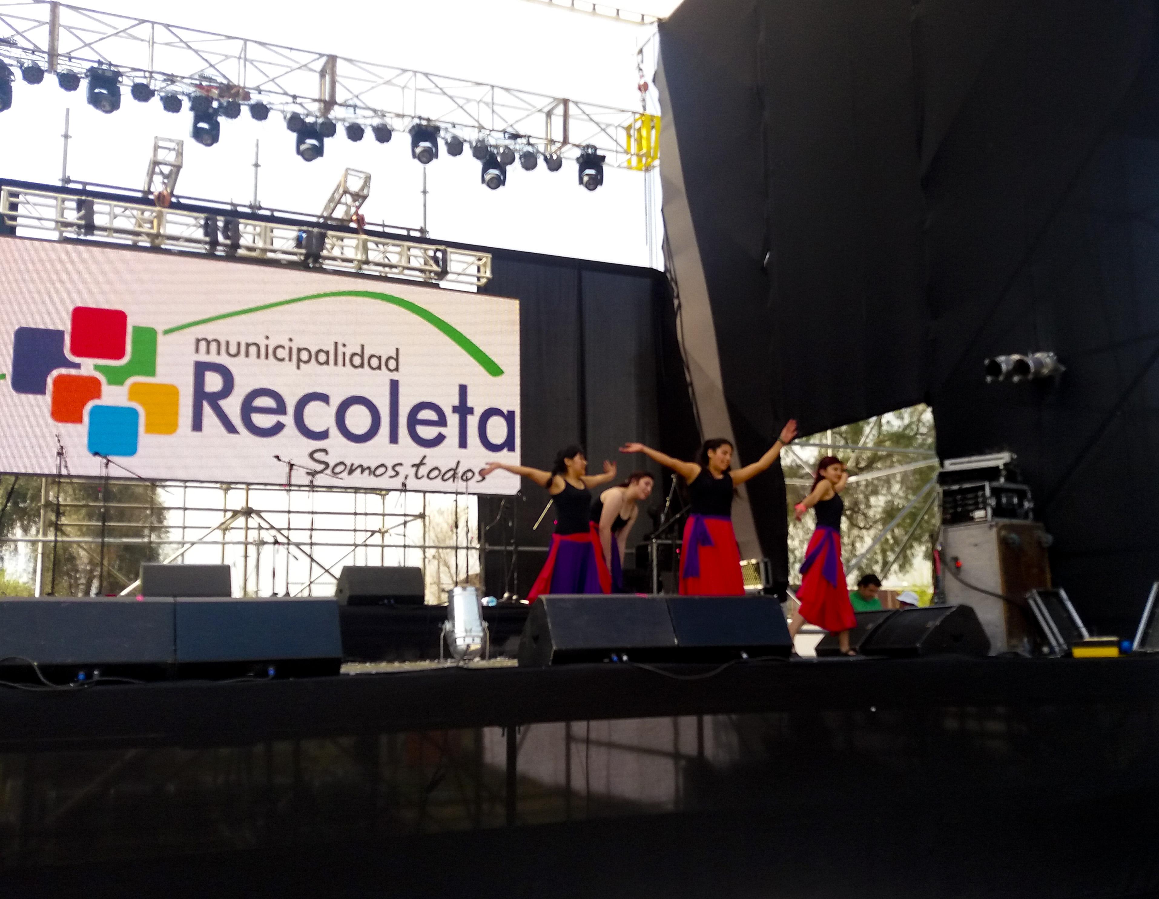 Bailarinas de Hasta la Raíz
