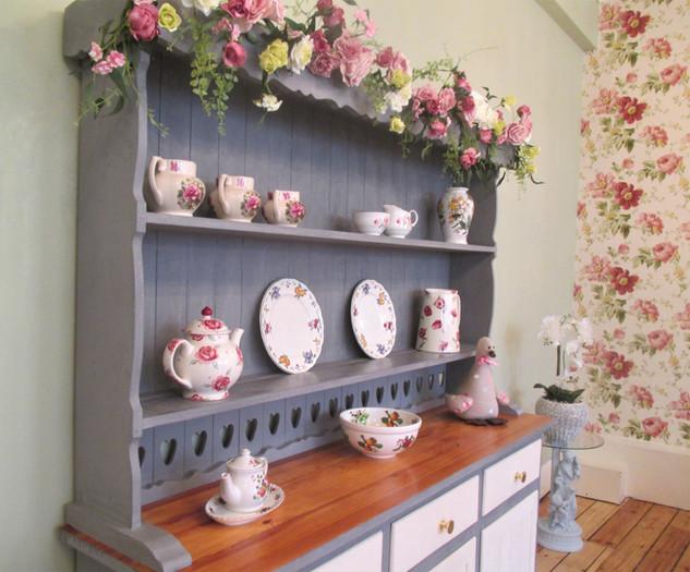 Rose Garland & English Pottery