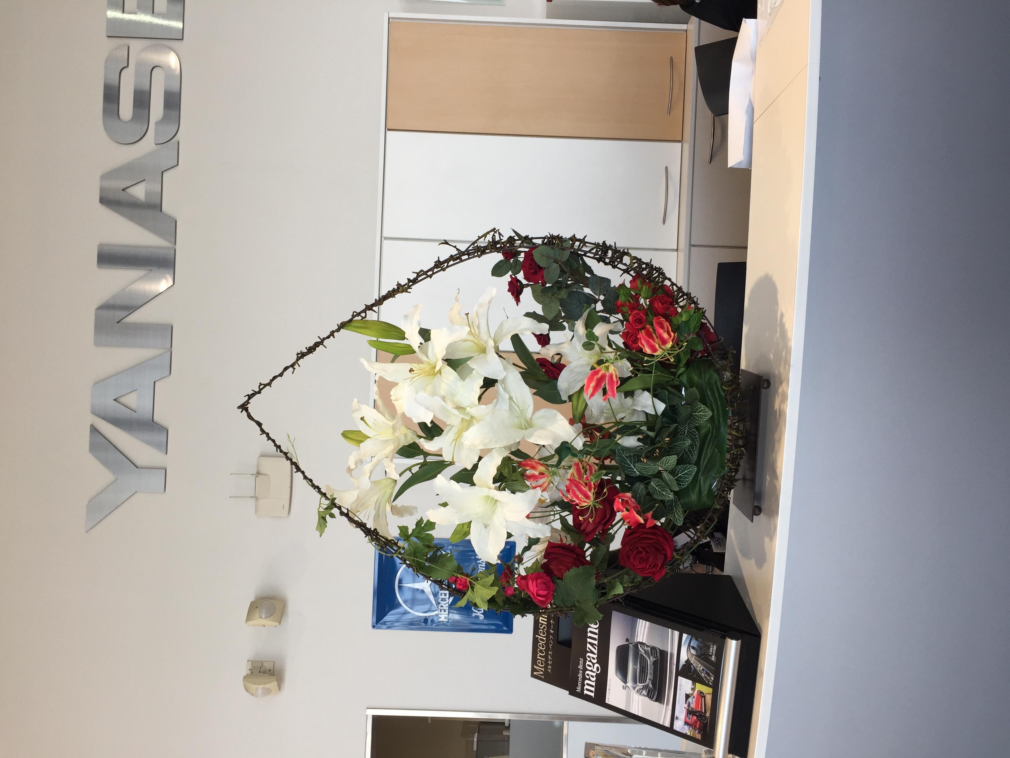メルセデスベンツ博多板付様 受付の花