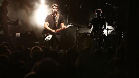 Bigger, en live, sur scène