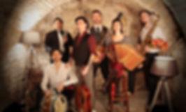 """Nadamas, groupe festif et populaire, originaire de Besançon et haute-saone. Actualité, concerts, clip. Découvrez le nouveau single """"Mon chéri tu sais""""."""