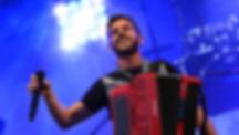 Claudio Capéo en concert à champagnole popoppidum 8 avril 2017 produit par troll's production