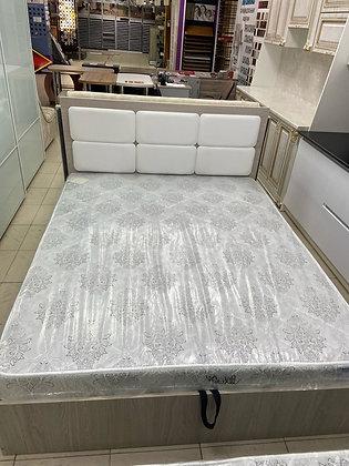 Кровать 1.6х2.0м с ПМ