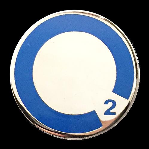 Oxygen symbol HMI members' lapel pin.