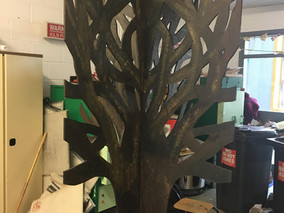 6LCA make Remembrance Tree for Donegal Hospice