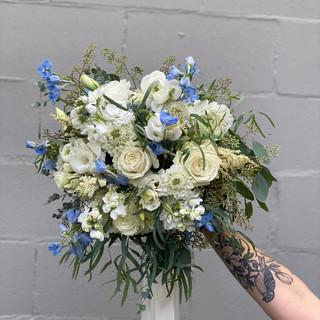Gardeny Blue & Ivory