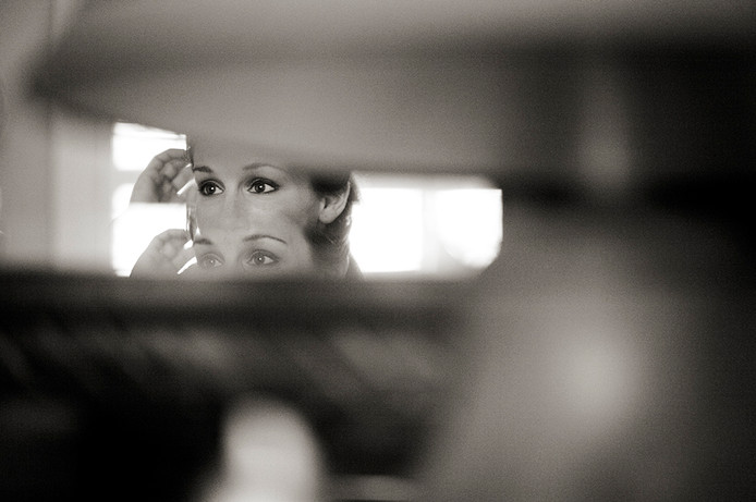 Creative getting ready pictures in Tallahassee Florida Bride reflection.