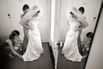 Bride getting reaady at Pebble Hill Plantation wedding by Inga Finch Photography