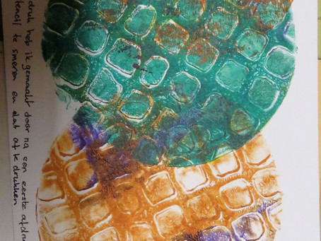 Playing with a gelli plate