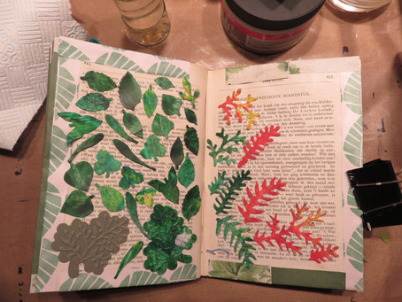 Leave through the leaf – and leaves book  (VERKOCHT  SOLD )