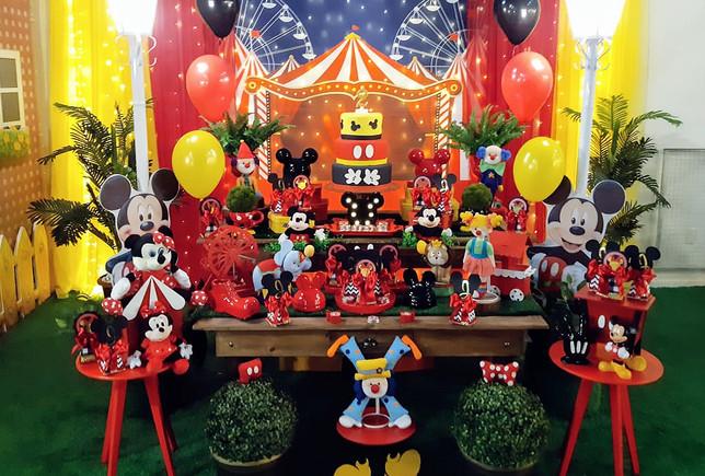 Mickey e Minei no Circo 2