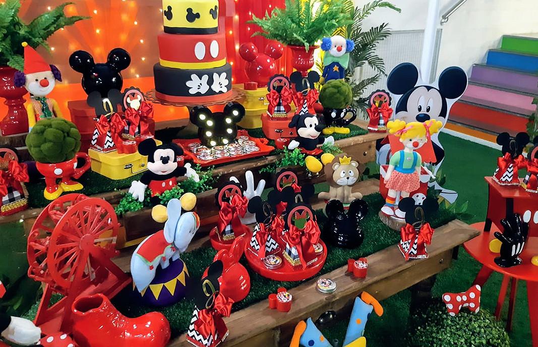 Mickey e Minei no Circo