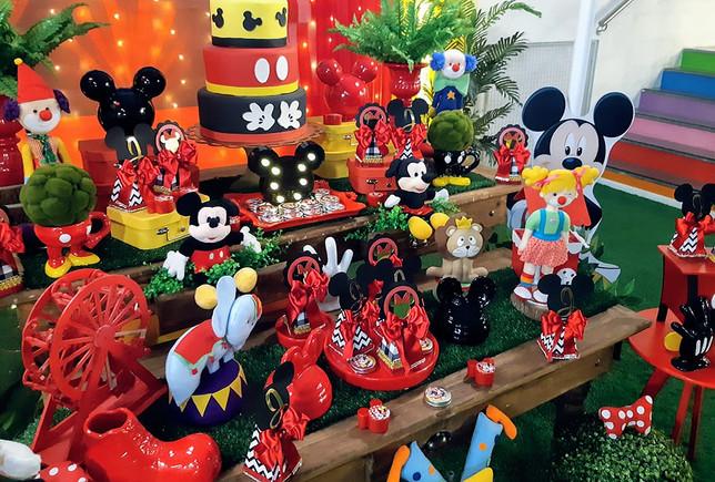 Mickey e Minei no Circo 1