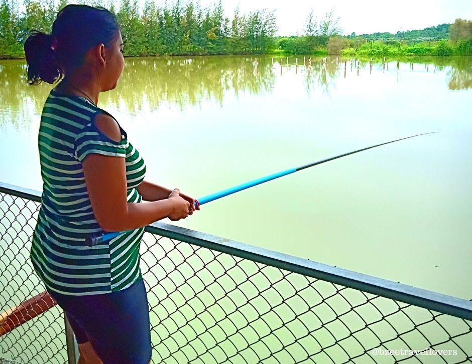 Fishing at the Fisherman Village Kelve Palghar