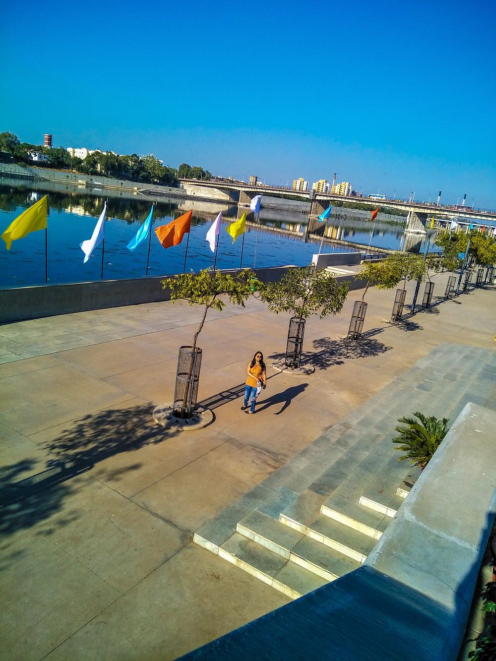 Promenade of Riverfront Garden