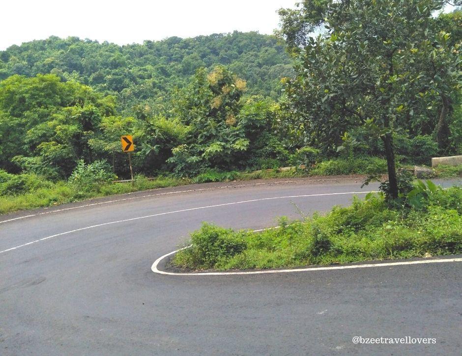 Scenic road leading to Fisherman Village Kelva