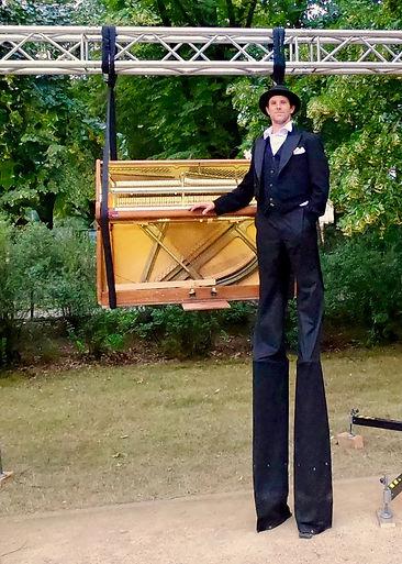 Julian Forst Klavier Luft .jpg