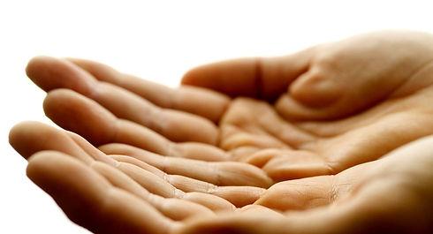 posição-das-mãos-terapira-reiki.jpg
