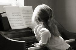 Kid-playing-Piano