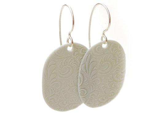 Beate Pfefferkorn: earrings