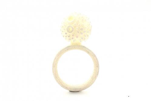 OLA-Ina Suffeleers: Texture Ring White