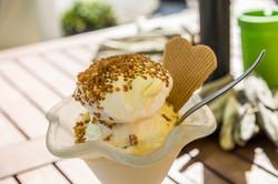 ice-cream-sundae-1858284_1920