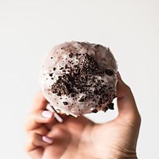 6/10-6/20 Cookies & Creme Glazed