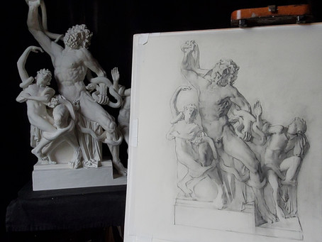 Shading the Laocoön Statue with Graphite