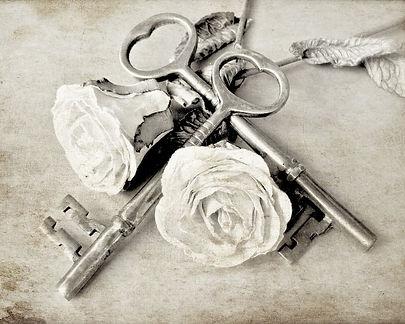 romantic white roses and antique skeleton keys