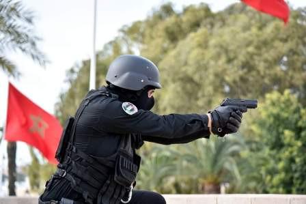 سبت أولاد النمة.. مفتش شرطة يضطر لاستعمال سلاحه الوظيفي