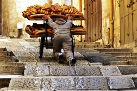 مع اقتراب شهر رمضان.. مطالب عاجلة بمراقبة جودة الخبز