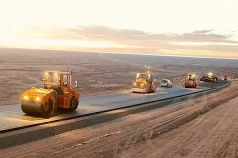 الطريق السريع تيزنيت-الداخلة ..تقدم أشغال المشروع بنسبة 47 في المائة