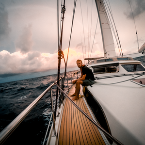 Sea & Sky: Offshore Sailing & Long-Haul Flying Similarities