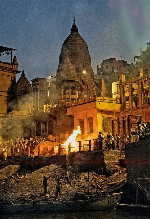 Nightly cremation; Manikarnika Ghat, Varanasi, India