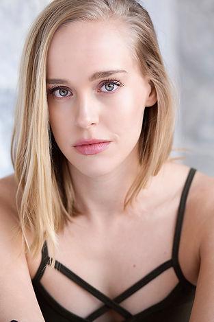 Nicole.Carpenter.Headshot_0453.jpg