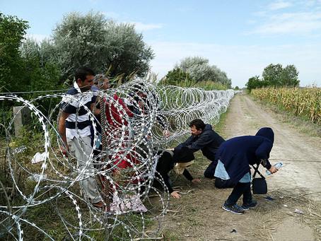 Migrants : Juncker agit, l'Europe divisée