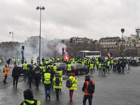 Les « gilets jaunes » à Paris : « On va aller prendre la Bastille ! »