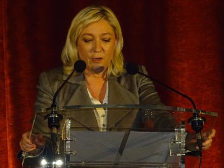 Marine Le Pen à l'épreuve de la politique extérieure au Canada