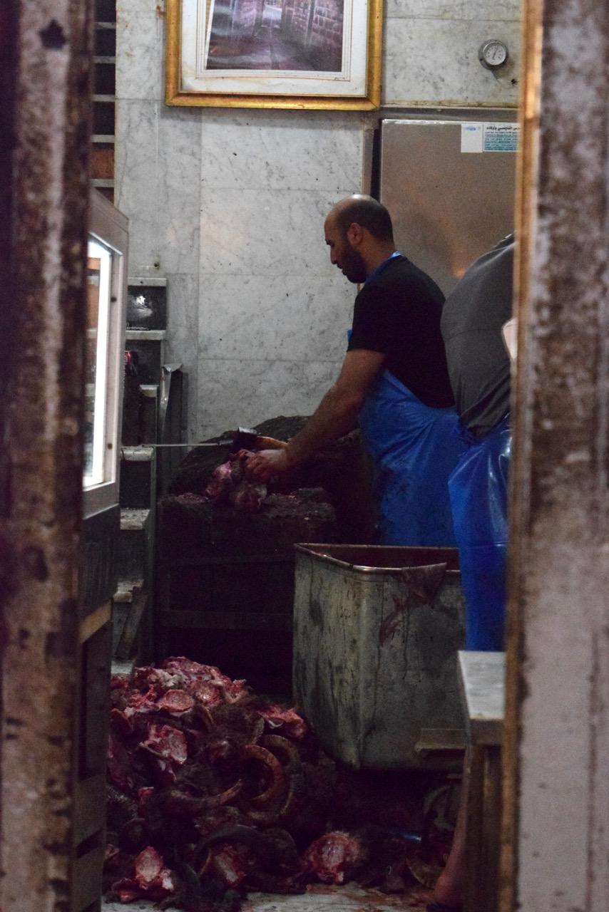 Une échoppe du marché des bouchers