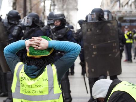 Photos : les « gilets jaunes » à Paris le 8 décembre