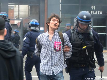 Photos : les CRS repoussent les manifestants à Lille