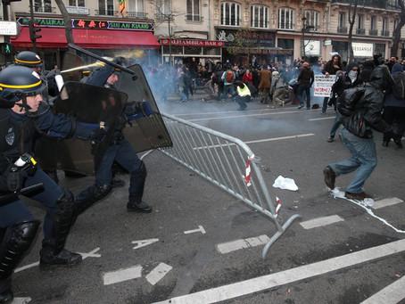 Laissez-nous tranquilles #8 : Protestations d'urgence