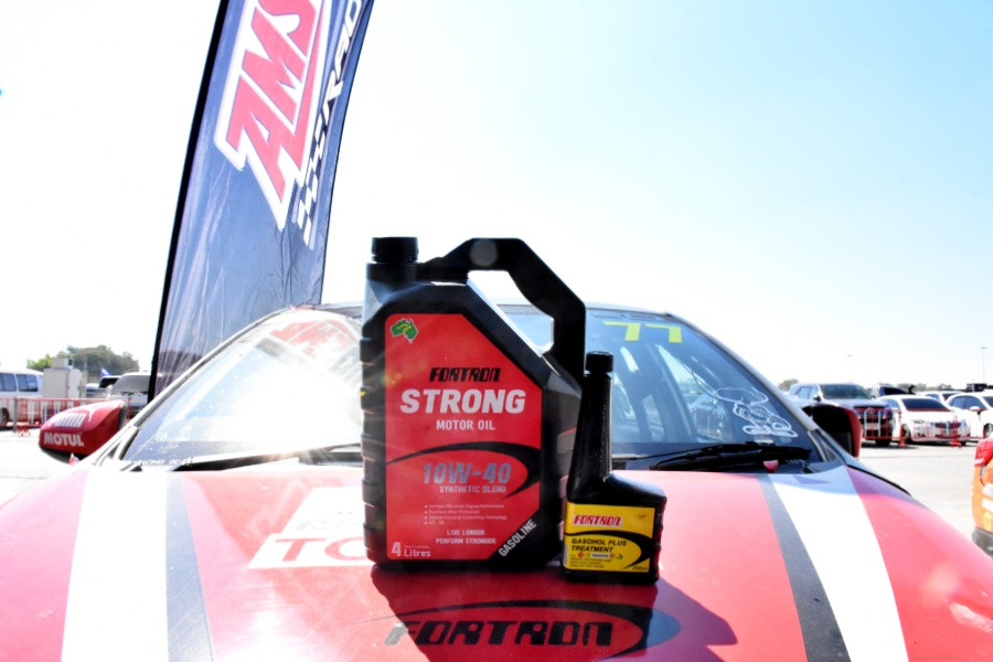 Fortron Strong 10W-40 with Fortron Racing Car