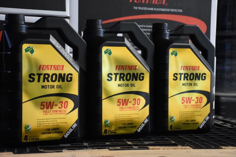 FORTRON STRONG LONGLIFE PERFORMANCE 5W30 น้ำมันเครื่องยนต์เบนซินสังเคราะห์ 100%