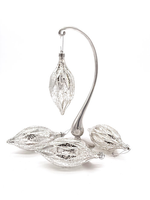 Set of 4 Silver Diamond Cut Finial Ornaments
