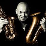 Walking Act mit Saxofon oder Violine und Livebands als mobile Band fü Ihre Events und Feiern.