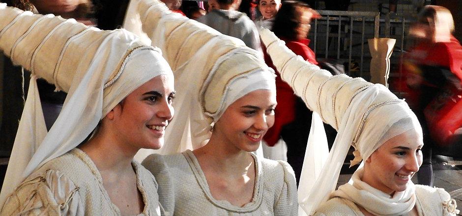 calendimaggio Assisi medieval festival.j